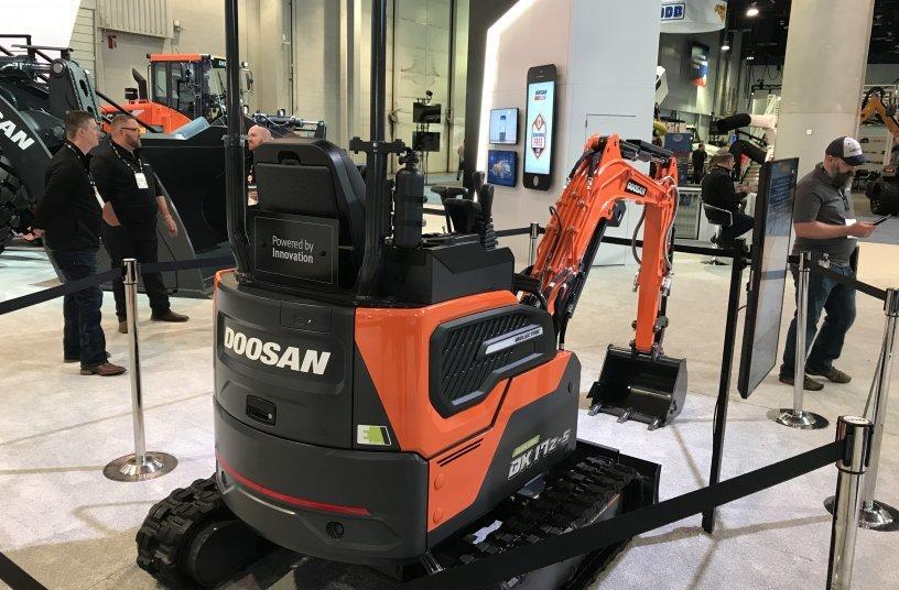 Doosan Dx17z 5 The New Electric Mini Excavator The Heavyquip Magazine